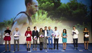 El president de la Diputació, Jorge Rodríguez, amb els esportistes premiats en la gala del Circuit Provincial. / Foto: Raquel Abulaila.