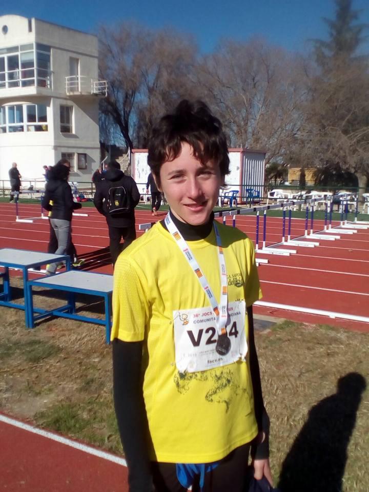 Jordi Miret amb la seua medalla després del campionat d'Ontinyent.