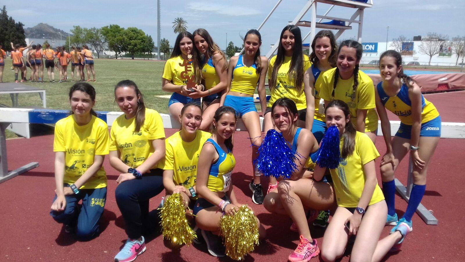 Les xiques U16 celebren la tercera plaça en el provincial de Xàtiva.