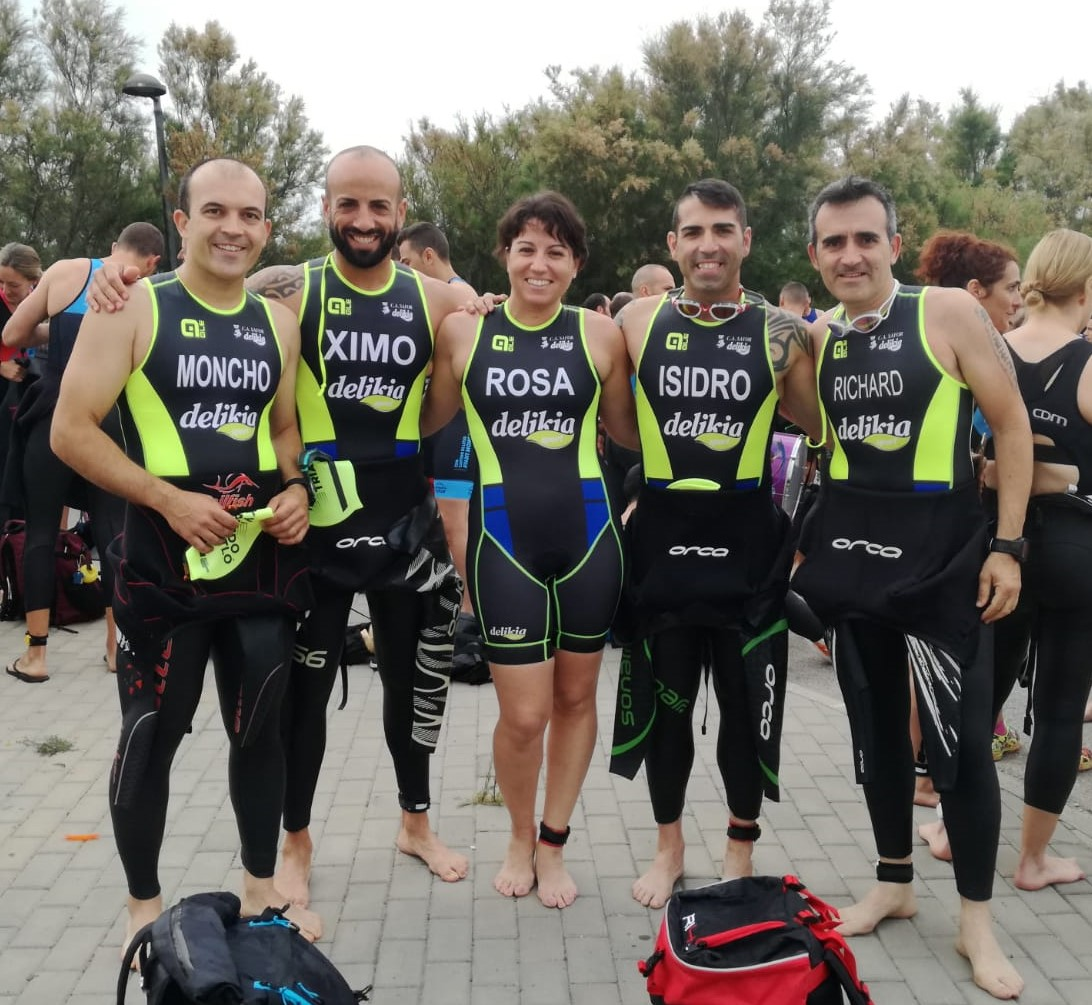 Esportistes del club al Triatló de Pinedo.