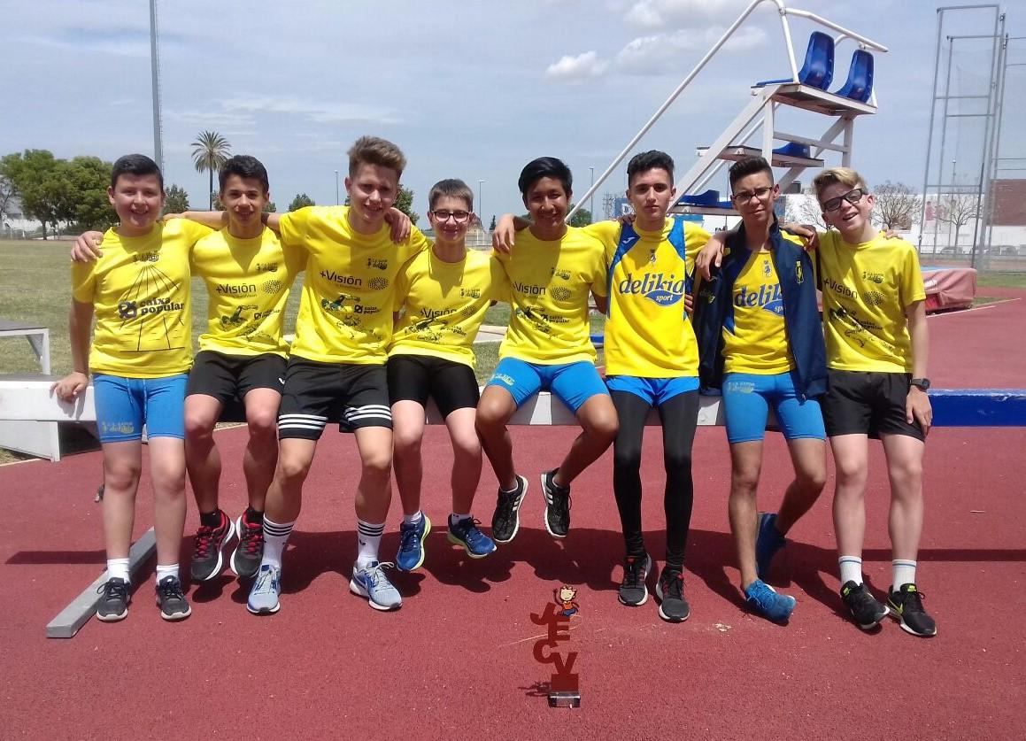 L'equip masculí U16 del CA Safor, a Xàtiva.
