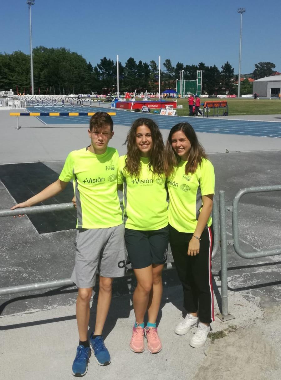 Els tres atletes en el nacional de Gijon.
