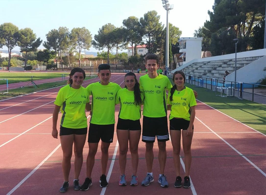D'esquerra a dreta Claudia Martínez, Daniel Ros, Neus Sansaloni, Borja Ortega i Mireia Juan.