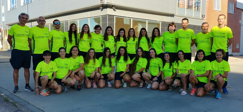Les xiques i els seus entrenadors, diumenge passat a Valladolid.
