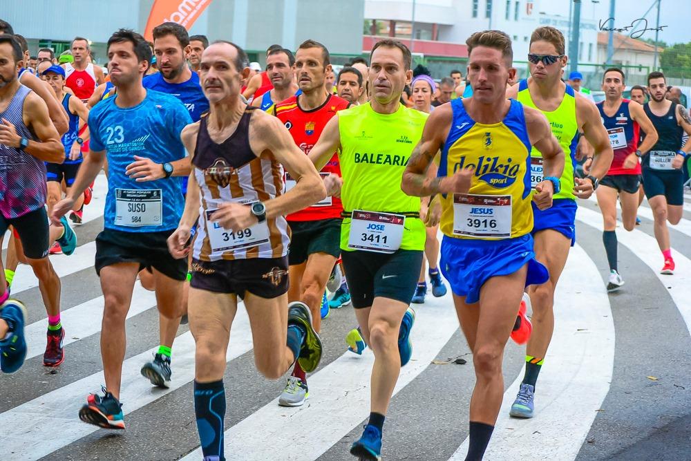 Jesús Gomar guanya la VI Cursa Popular a Bellreguard