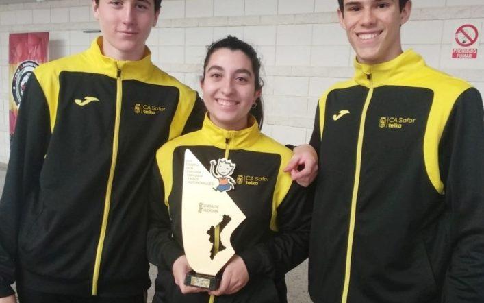 Els cadets ajudaren a pujar al podi a l'equip de València en el campionat interprovincial