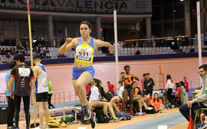 Claudia Martínez revalida la seua mínima nacional en triple salt