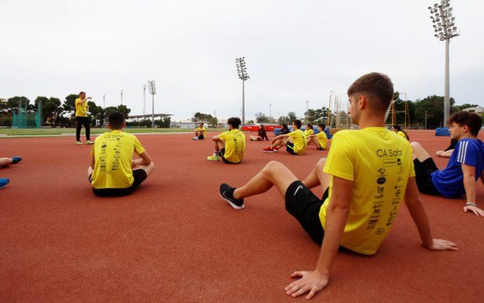 Els atletes del club reprenen este divendres les competicions