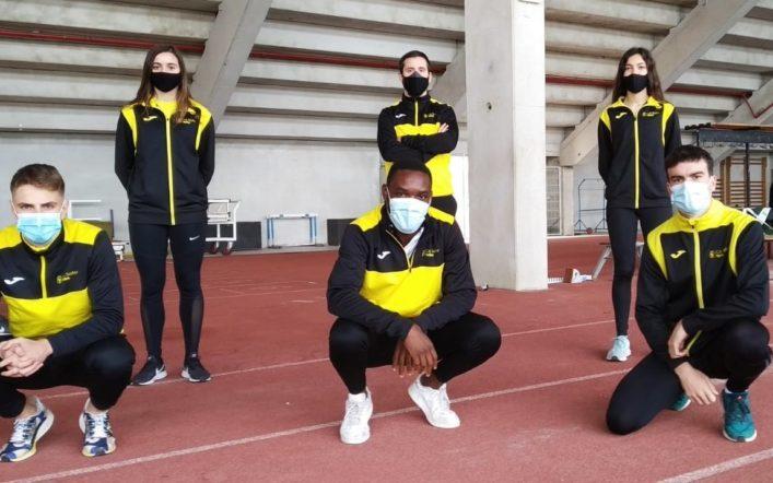 Cinc atletes i un entrenador del club participaren en una concentració de la FACV