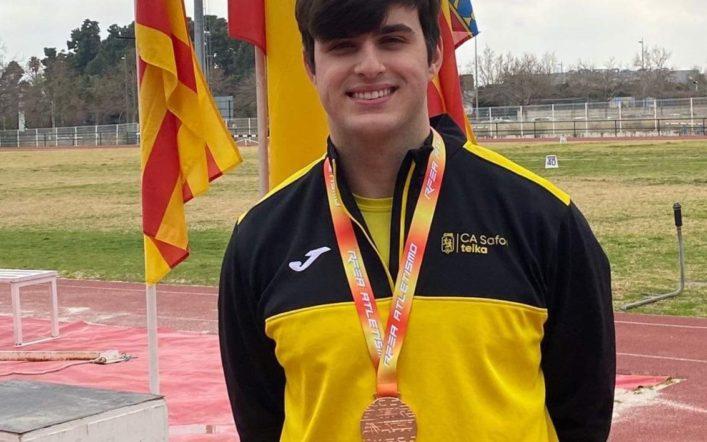Bronze per a Óscar Gimeno en martell en el Campionat d'Espanya de Llançaments Llargs Menors