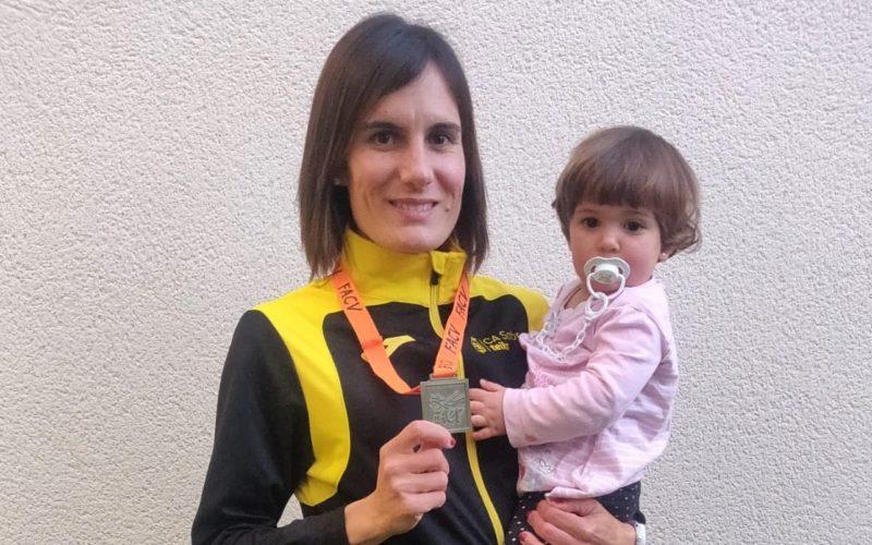Neus Mas es proclama campiona autonòmica en els 10.000 m.l. pista